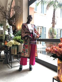 How Jodie Turner-Smith Came, Saw, and Conquered Gucci's Rome Show - Vogue Look Kimono, Kimono Top, Rome Show, Cfda Awards, Black Girl Aesthetic, Roman Holiday, Cute Celebrities, Most Beautiful Pictures, Vogue