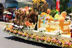 Tomohon International Flower Festival http://indonesia.travel/id/event/detail/843/tomohon-international-flower-festival-2014