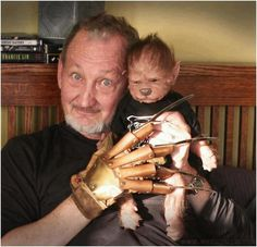 """Werewolf puppy doll by Asia Eriksen. Photo and """"Nightmareglove"""" by Anders Eriksen. Shared by Balázs Földesi - with Robert Englund aka Freddy Krueger. Robert Englund, Alice Cooper, Horror Icons, Horror Films, Avengers Bloopers, Dark Tower Movie, Horror Movie Characters, England, Best Horrors"""