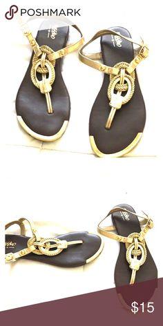 Mossimo sandals Gold Mossimo sandals Gold Shoes Sandals