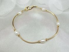 14k Gold White Pearl Bracelet 14k Gold by PearlsGemsnCrystals
