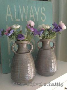 Voorjaar Beauty Inside, Glass Vase, Spring, Flowers, Home Decor, Decoration Home, Room Decor, Royal Icing Flowers, Home Interior Design