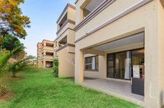 1 Bedroom Apartment in Sunninghill, Baringo, Leeuwkop, Spacious ground floor apartment. Sipe and spacious, open plan lounge dining nd kitchen with tiles th Private Property, 1 Bedroom Apartment, Open Plan, Ground Floor, Studios, Lounge, Flooring, Mansions, House Styles