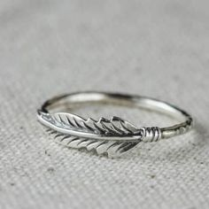 Feather Stacking Sterling Silver Ring. Love this! Feather obsessed!!!!!!!