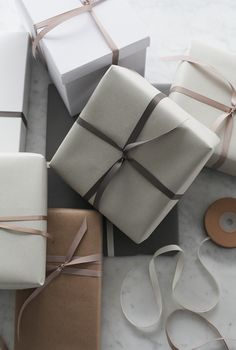 Gift wrapping by Elisabeth Heier