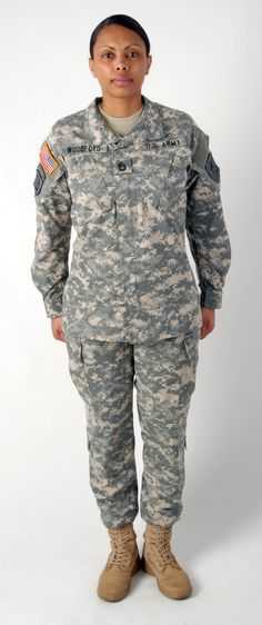 500a0a1b The Women's Army Combat Uniform (very similar to the men's but better  fitted to the