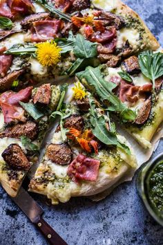 Dandelion Green Pesto, Fresh Fig and Gorgonzola Pizza with Prosciutto | 16 Amazing Dandelion Recipes To Make From Your Pulled Weeds