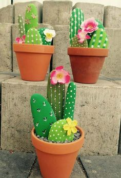 Fascinating DIY tips for creating garden art decor that you dream of . , Fascinating DIY tips for creating garden art decor that you dream of - Healthy Skin Care Fascinating DIY tips for creating garden ar. Cactus Rock, Stone Cactus, Painted Rock Cactus, Painted Rocks, Cactus Cactus, Indoor Cactus, Painted Garden Rocks, Decoration Cactus, Cactus Craft