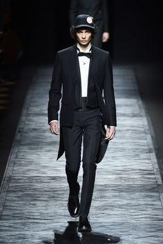 ディオール オム 2015-16年冬コレクション - 昼下がりのドレスアップ&ダウンの写真7 Dior, Tailored Jacket, Runway, Menswear, Mens Fashion, Suits, Jackets, Image, Clothes
