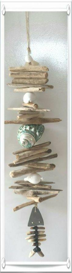 Guirlande intérieur ou extérieur coquillages, bois flotté et arête de poisson