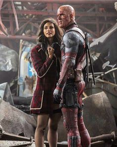 Morena Baccarin as Copycat and Deadpool, Wade Wilson. Deadpool Film, Deadpool Images, Deadpool Love, Deadpool Stuff, Deadpool Cosplay, Wade And Vanessa, Vanessa Carlysle, Morena Baccarin Deadpool, Hallowen Costume