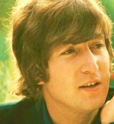 John Lennon.......BEAUTIFUL PICTURE OF JOHN....LOVE THIS