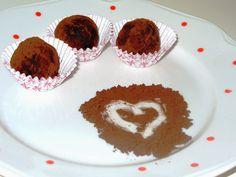 Môj sladký život v Koláčikove: Vegánske čokoládové guľky - len z troch ingrediencií Muffin, Cookies, Breakfast, Desserts, Food, Crack Crackers, Morning Coffee, Tailgate Desserts, Deserts