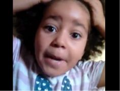 """""""Não uso peruca"""" mãe e filha de 4 anos gravam vídeo contra preconceito"""