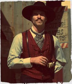Val Kilmer as Doc Holliday. ABSOLUTELY Spot On performance by Kilmer as the Virginia native Doc Holliday in Tombstone. Val Kilmer, Doc Holliday Quotes, Tombstone Movie Quotes, Tombstone 1993, Doc Holliday Tombstone, O Cowboy, Western Cowboy, Western Photo, Thoughts