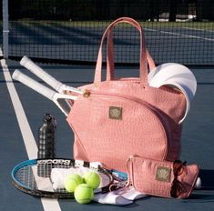 Tennis decreases your chance of heart disease, enhances your flexibility, balance and coordination, boosts your brain power, and improves bone health. Tennis Bags, Tennis Gear, Le Tennis, Tennis Gifts, Sport Tennis, Tennis Clothes, Tennis Outfits, Tennis Rules, Nike Clothes