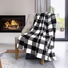 Co Safdie & Throw Blanket Flannel Printed Ribbed 50 x 60 White Plaid Ultra Soft Black And White Flannel, White Plaid, Buffalo Plaid Blanket, Most Comfortable Sheets, Flannel Fashion, Flannel Style, Flannel Material, White Throws, Knitted Throws