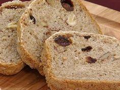 Pão de centeio com nozes e ameixas