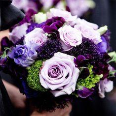 dark purple winter wedding bouquets
