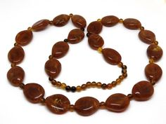 """Vintage Caramel Lucite Bead Necklace Chunky Marbled Brown Amber Plastic Flat Beads 30"""" Long"""