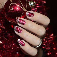 von - Backen -Weihnachtsnägel von - Backen - 111 beautiful winter nail art designs that will melt your heart page 27 Christmas Gel Nails, Holiday Nail Art, Christmas Nail Art Designs, Fancy Nails, Red Nails, Pretty Nails, Nagellack Design, Cute Nail Designs, Stylish Nails