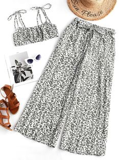 A site with wide selection of trendy fashion style women's clothing, especially swimwear in all kinds which costs at an affordable price. Crop Top Outfits, Summer Outfits, Girl Outfits, Casual Outfits, Cute Outfits, Girls Fashion Clothes, Fashion Outfits, Clothes For Women, Pop Fashion