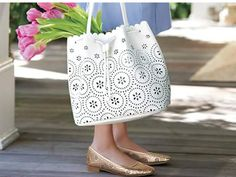Winter white is quite alright💐 Wear our faux leather tote with contrasting textures and colors like heavy denim, super-soft cashmere and glitzy metallics for a cool and casual #AvonSouthernBelle vibe — shop now at www.youravon.com/jdinkins?utm_content=buffer8249a&utm_medium=social&utm_source=pinterest.com&utm_campaign=buffer #Tote #Purse