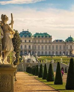 The Belvedere Palace in Vienna is built by Johann Lucas von Hildebrandt for Prin. - The Belvedere Palace in Vienna is built by Johann Lucas von Hildebrandt for Prince Eugene of Savoy. Places Around The World, Oh The Places You'll Go, Places To Travel, Places To Visit, Around The Worlds, Wachau Valley, Austria Travel, Belle Villa, Palaces