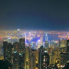 Instagram【rinami12】さんの写真をピンしています。 《世界三大夜景😍💕 Was beautiful😘!!!! #victoriapeak#nightview#hongkong#夜景#綺麗すぎた》
