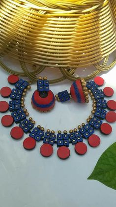 Real terracotta jewelry 2900/- Beaded Necklace Patterns, Jewelry Patterns, Beaded Crafts, Jewelry Crafts, Diy Crafts, Polymer Clay Pendant, Polymer Clay Jewelry, Teracotta Jewellery, Terracotta Jewellery Designs