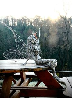 These Fantasy Wire Sculptures By Robin Wight Are From a Fairy World Fantasiedrahtskulpturen von Robin Wight 5 Robin Wight, Alberto Giacometti, Wire Art Sculpture, Wire Sculptures, Chicken Wire Art, Fantasy Wire, Fairy Art, Art Forms, Metal Art