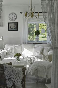 .white shabby chic