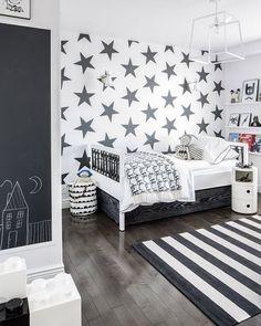 Kinderzimmer einrichten - Wandgestaltung in Schwarz und Weiß