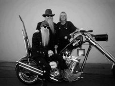 Harley Davidson News – Harley Davidson Bike Pics Harley Davidson Chopper, Harley Davidson Motorcycles, Ducati, Motos Vintage, Billy Gibbons, Ape Hangers, Zz Top, Custom Choppers, Custom Bikes