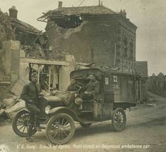 Alberta Ambulance Drivers in World War 1
