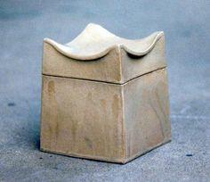 Mieke Juta: dekseldoos  ceramic box