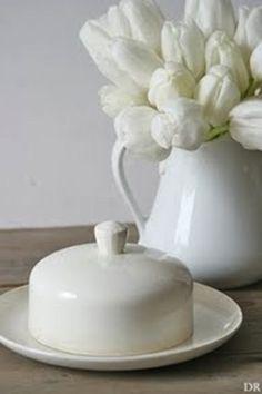 .white ironstone and white roses~so pretty