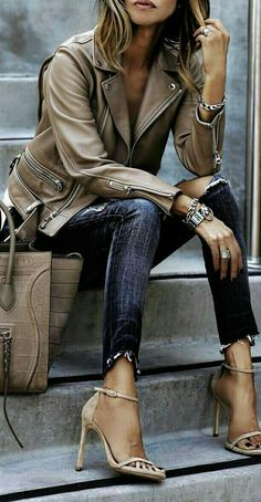 30 Chic Fall / Winter Outfit Ideas - Street Style Look. Fashion Mode, Look Fashion, Denim Fashion, Winter Fashion, Fashion Outfits, Womens Fashion, Fashion Trends, Classy Fashion, Latest Fashion