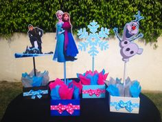 Disney Frozen inspired birthday centerpieces for birthday or special occasion