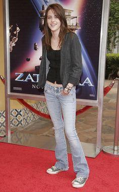 Kristen Stewart, Mode Für Teenies, Zendaya Hair, White Shirt And Jeans, Low Waist Jeans, Teen Girl Fashion, Pullover, Elegant, Old Hollywood