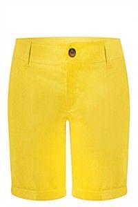 Love this yellow bermuda shorts! Style Icons, Bermuda Shorts, Kids Fashion, Denim, Yellow, Lady, Casual, Summer, Clothes