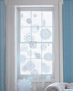 Christmas snowflakes doily
