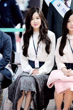 BLACKPINK - Rosé 로제 (Park ChaeYoung 박채영) aka Roséanne Park 로잔느 박 at Incheon main customs ceremony 170501 : 인천본부세관홍보대사위촉식