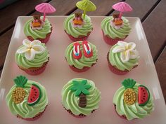 Mossy's masterpiece Luau cupcake with hoola teddies & cute umbrellas by Mossy's Masterpiece cake/cupcake designs, via Flickr