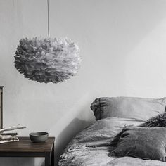 Large Vita Grey Feather Light | Nubie