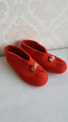 Aarikka Finland Christmas red Slippers Made in Finland in the