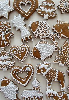 Vánoční perníčky / Zboží prodejce Medové perníčky od Andílka | Fler.cz Christmas Cookies Gift, Christmas Food Gifts, Christmas Dishes, Nordic Christmas, Christmas Sweets, Holiday Crafts, Christmas Time, Gingerbread Decorations, Gingerbread Cookies