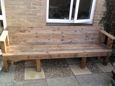 Upcycled Pallet Into Patio Bench #PalletBench, #Patio, #ReclaimedPallet