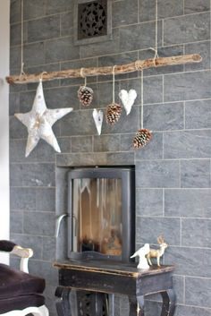pine cone and star mobile- painted fun beach colors would be cute kiddo room decor with a touch of nature