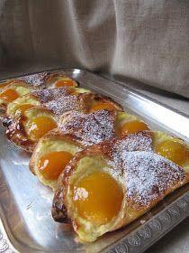 La cuisine d'ici et d'ISCA: Oranais à la pâte levée feuilletée My Recipes, Sweet Recipes, Dessert Recipes, Moroccan Desserts, Delicious Desserts, Yummy Food, British Baking, Mousse, Cooking Chef